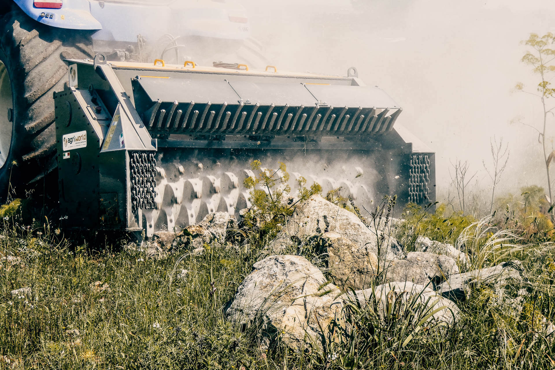 frantumatrice di sassi-stones crusher-agri world-puglia