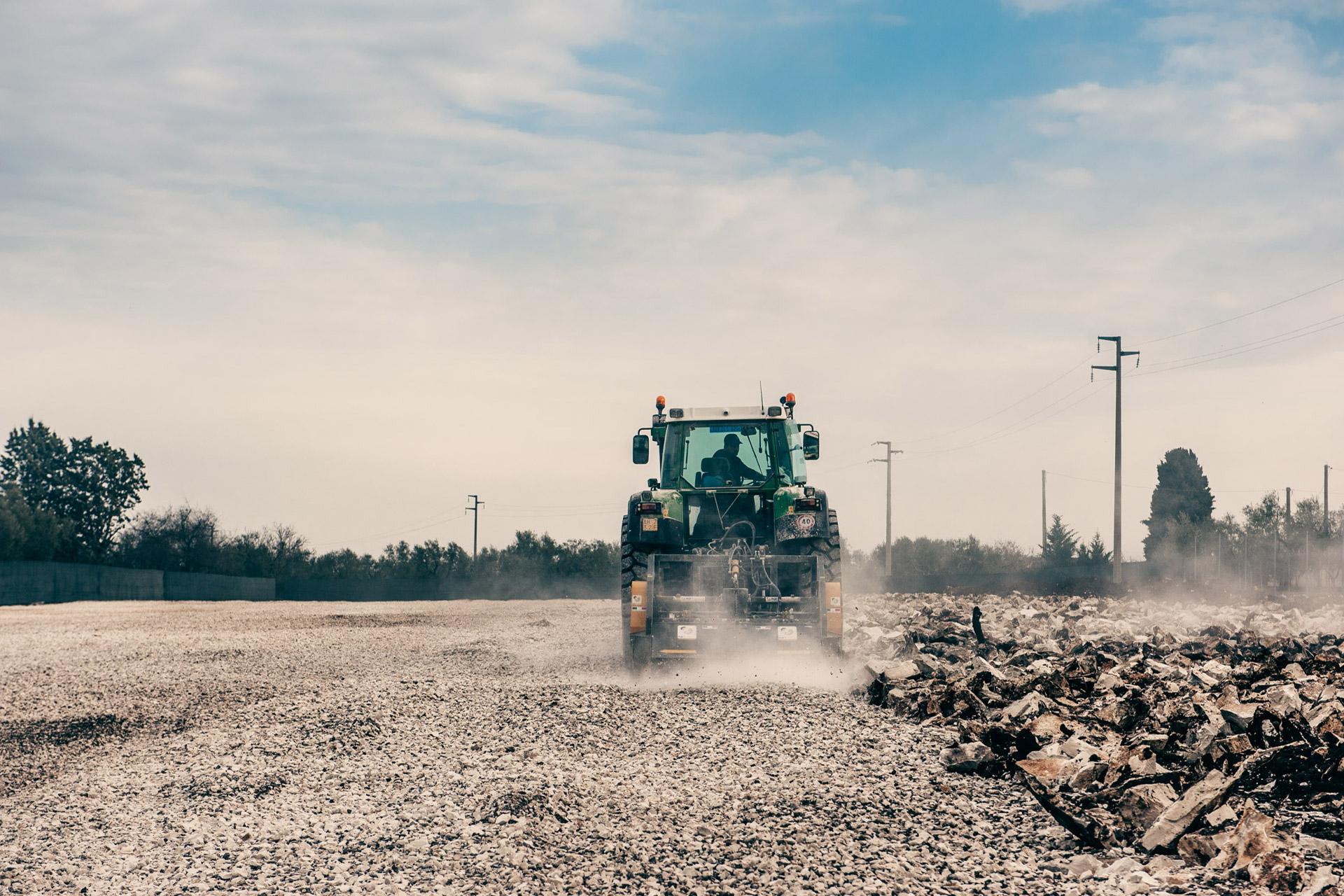 frantumatrice di sassi-stones crusher-macchine agricole e forestali-italy